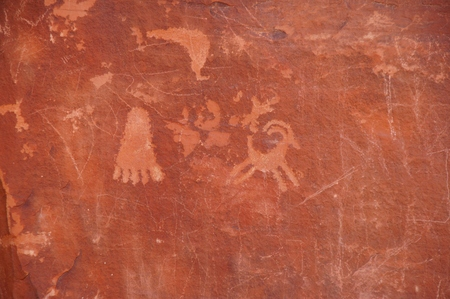 valley: Valley of Fire petroglyphs on the rock.