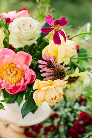 Blumenstrauß, Blumen, Geschenke Und Blumenarrangementkonzept ...