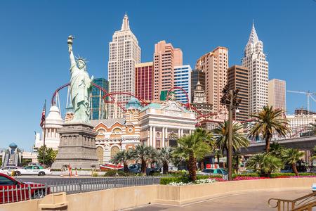 LAS VEGAS, Nevada, Verenigde Staten - 16 mei 2008 New York Hotel Casino. Replica van het Vrijheidsbeeld is 150 ft Redactioneel
