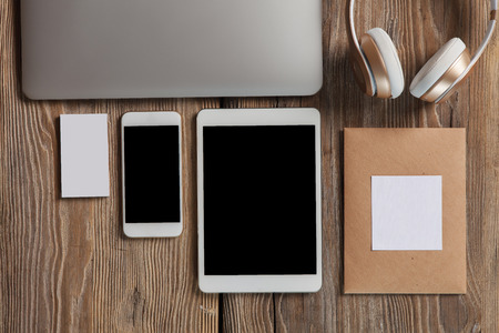blank tablet: The responsive design mockup on wooden background Stock Photo
