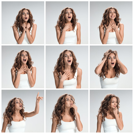 collage caras: El conjunto de portraites de mujer joven con la expresión facial sorprendida sobre fondo gris