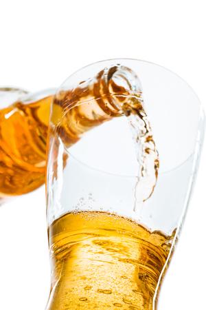 ビールとボトルのグラス