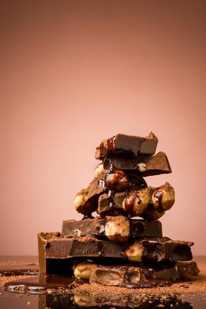 Stapel van gebroken chocolade