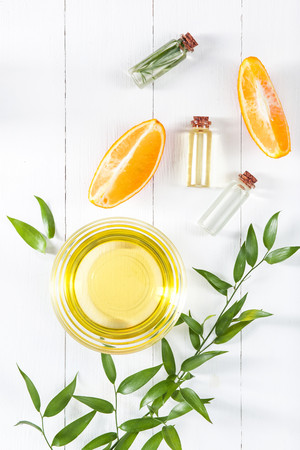 oranges oil and Orange Standard-Bild