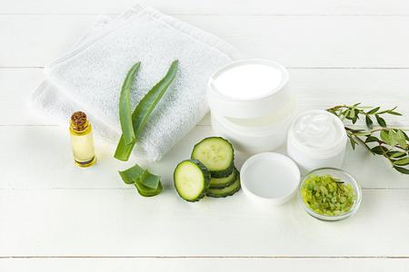 キュウリとアロエ化粧クリーム顔、皮膚やボディケアの衛生水分ローション