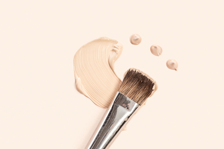 Cosmetic foundation cream and powder with brush Stok Fotoğraf - 93753710