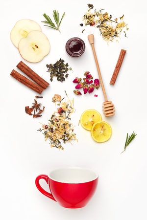 ハーブ、花、ベリー、果物と美しく、おいしい乾燥茶葉