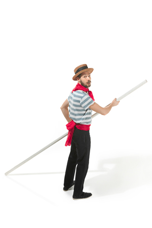 Caucasian man in traditional gondolier costume and hat 版權商用圖片 - 98723835