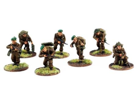 berets: war miniatures , painted,second world war