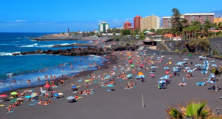 canarian: Puerto de la Cruz , Playa Jardin ,Tenerife ,Canarian Islands Stock Photo