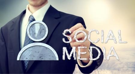 Homme d'affaires avec Social Media Concept Banque d'images - 19165370