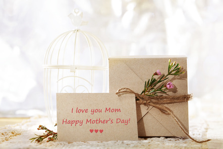 Happy Mothers Day, hand crafted card stock present box and greeting card Stock Photo