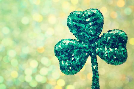 Saint Patricks Day glanzende groene klaver ornament Stockfoto