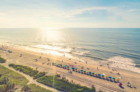 playa: Myrtle Beach Carolina del Sur vista aérea al atardecer
