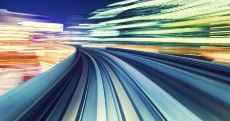 Zusammenfassung High-Speed-Technologie POV Bewegung unscharfes Konzept Bild von der Yuikamome Einschienenbahn in Tokyo Japan Standard-Bild - 53023246