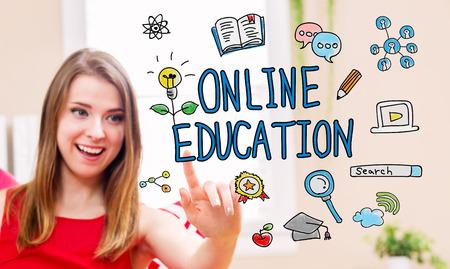 그녀의 집에서 젊은 여자와 온라인 교육의 개념 스톡 콘텐츠