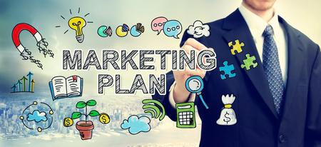 Zakenman tekening Market Plan concept boven de stad Stockfoto