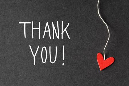 gratefulness: Gracias mensaje con peque�os corazones de papel hechas a mano