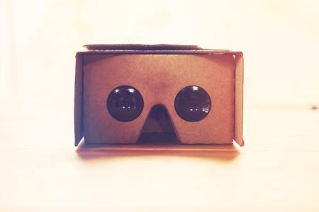 Virtual reality cardboard headset with smart phone Zdjęcie Seryjne