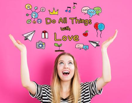 hacer: Hacer todas las cosas con el concepto del amor con el joven llegar y mirando hacia arriba