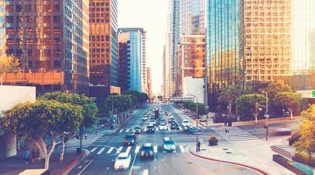 다운 타운 LA에서 로스 앤젤레스 러시아워 교통의보기 스톡 콘텐츠