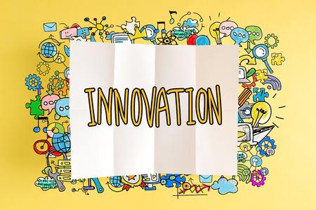 黄色の背景にカラフルなイラストとイノベーション本文
