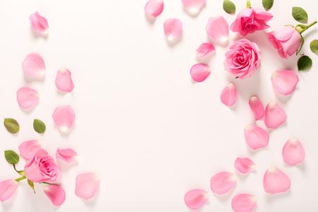 장미와 잎 톱 뷰 평면 누워 스톡 콘텐츠