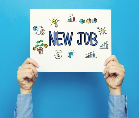 Nieuwe baantekst op een witte poster op een blauwe achtergrond