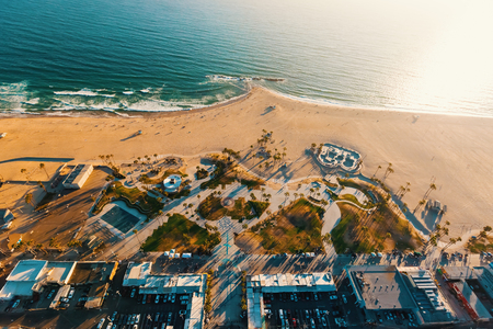 Aerial view of the shoreline in Venice Beach, CA Banco de Imagens - 80382407