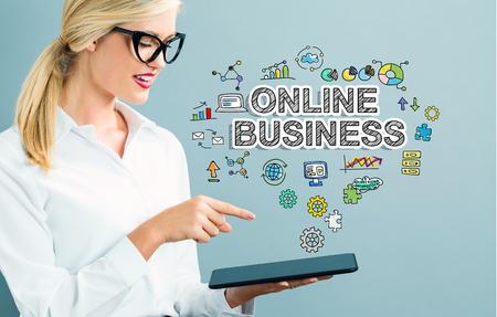 Texte d & # 39 ; affaires en ligne avec femme d & # 39 ; affaires en Banque d'images - 80955621