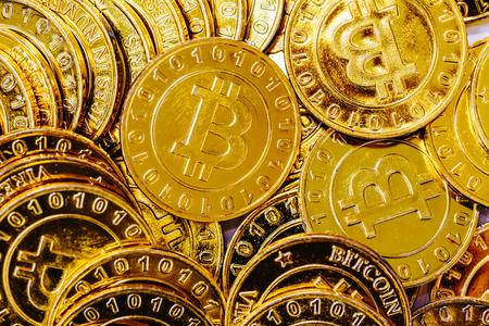 Pile of gold bitcoins in cyrptocurrency theme Zdjęcie Seryjne