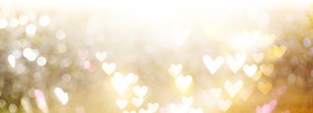 Schöne glänzende Herzen und abstrakte Lichter Hintergrund Standard-Bild - 94128126