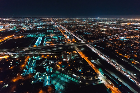 Aerial view of Los Angeles, CA near LAX at night 免版税图像