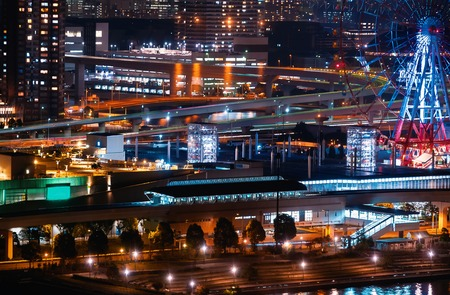 Aerial view of Odaiba, Tokyo, Japan at night with a view of a ferris wheel 스톡 콘텐츠
