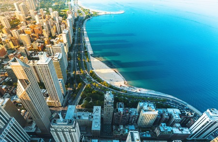 Chicago cityscape with a view of Lake Michigan from above Imagens