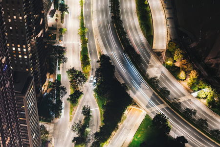 Chicago streets along Lake Michigan from above at night Archivio Fotografico - 109369994