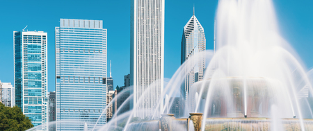 Fountain against the downtown Chicago skyscrapers skyline