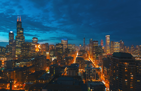 Downtown chicago cityscape skyscrapers skyline at dawn