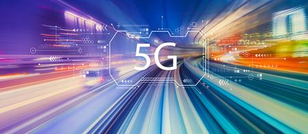 Rete 5G con tecnologia astratta ad alta velocità motion blur POV