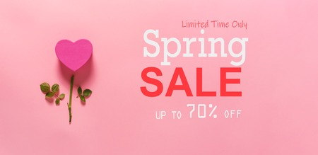 Spring sale message with heart flower top view flat lay Stok Fotoğraf