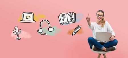 Illustration d'apprentissage en ligne avec une jeune femme utilisant son ordinateur portable
