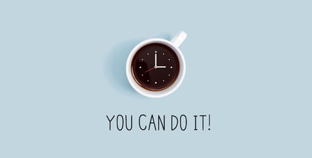 Coffee cup with clock overhead view flat lay Imagens - 121750046