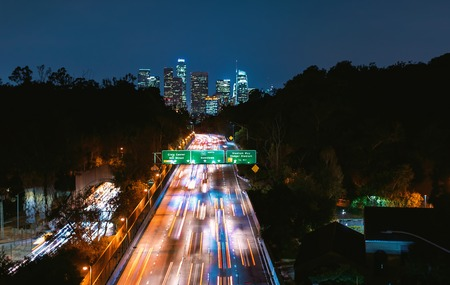 Aerial view of the highway leading to Downtown Los Angeles, CA Archivio Fotografico - 122565608