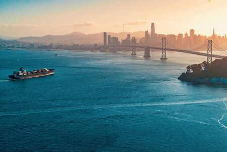 Aerial view of the Bay Bridge in San Francisco, CA 版權商用圖片