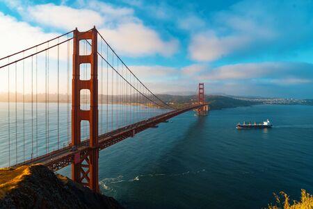 San Franciscos Golden Gate Bridge von Marin County Standard-Bild