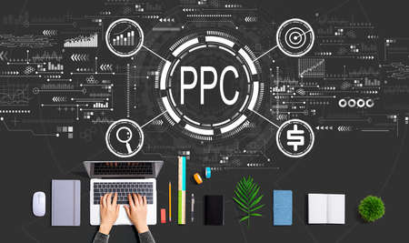 PPC - Pay per click concept with person using a laptop 版權商用圖片