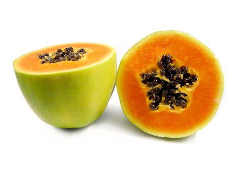 파파야 과일 흰색 배경에 고립 된 반으로 잘라. 스톡 콘텐츠