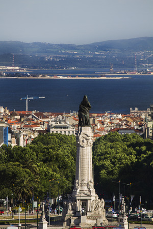 eduardo: View of the famous Marques de Pombal roundabout located in Lisbon, Portugal.