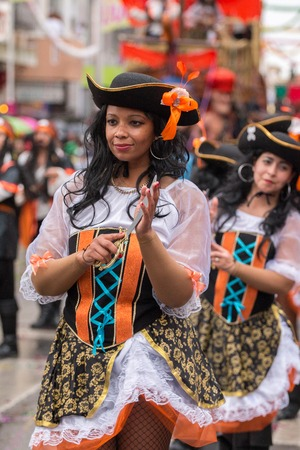 mujer pirata: LOULE, PORTUGAL - FEB 2016: Colorful Carnival (Carnaval) Parade festival participants on Loule city, Portugal.