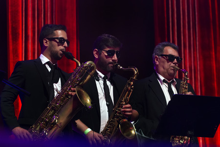 FARO, PORTUGAL: 1st SEPTEMBER, 2017 - Music band, Rui Veloso, performs on Festival F, a big festival on the city of Faro, Portugal. 新聞圖片